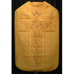 Gold cloth vestment