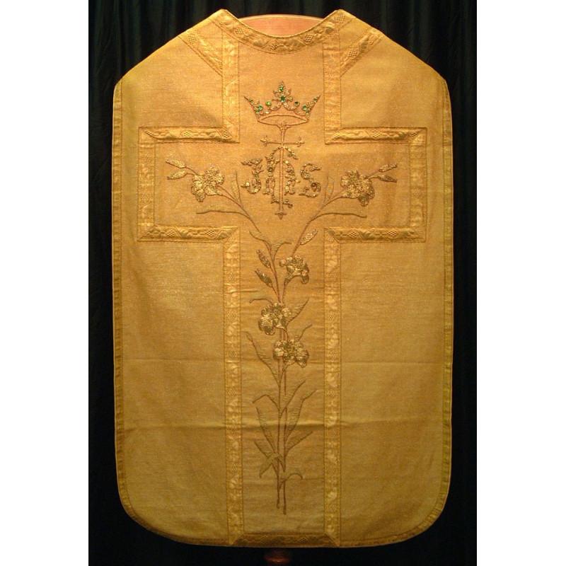 Gold cloth vestment