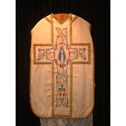 Fantastic white chasuble depicting our lady