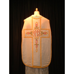 White Chasuble celtic design centerpiece
