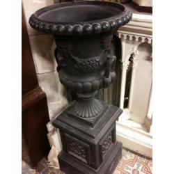 Garden urn with stand